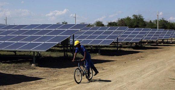 Cuba autoriza para personas naturales la importación de sistemas fotovoltaicos sin fines comerciales